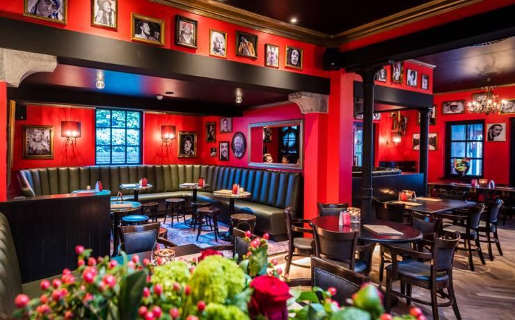 Gallery's Grand Pub